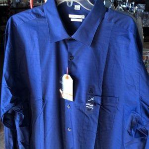 Van Heusen men's blue long sleeve shirt